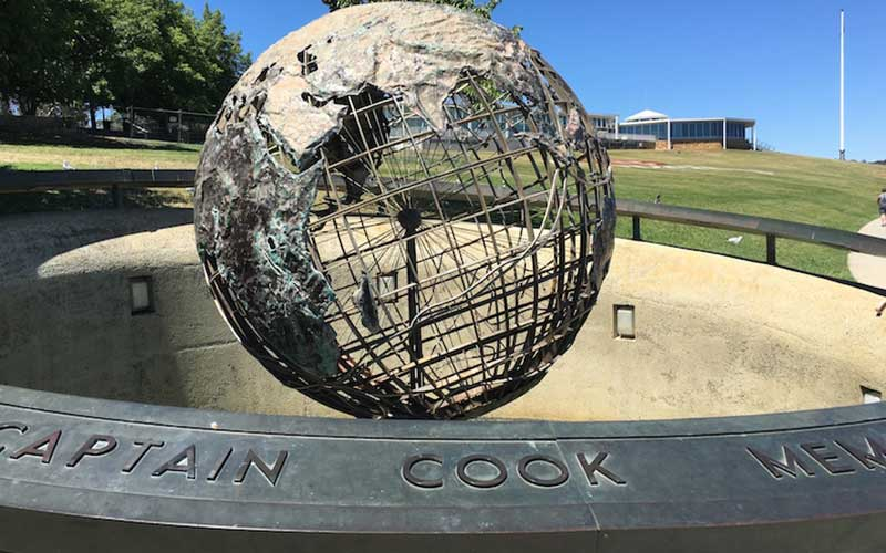 Captain Cook Memorial Jet and Globe